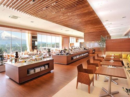dining01_01.jpg