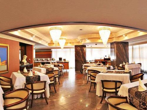 restaurant-3-1.jpg