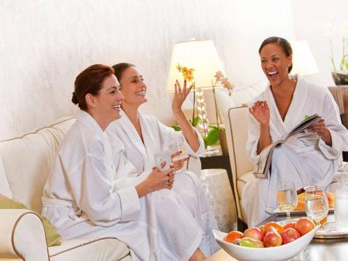 women-spa.jpg