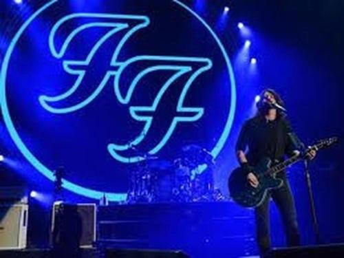 foo-fighters-hospedagem-domus-hotel-centro-sp.jpg