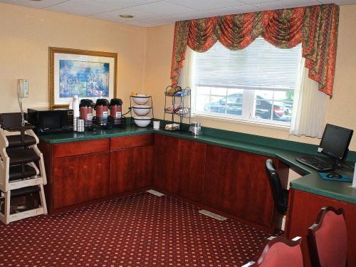 Comfort Inn Amenities