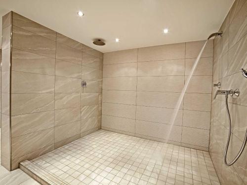 schwallbrause-in-der-sauna-3.jpg
