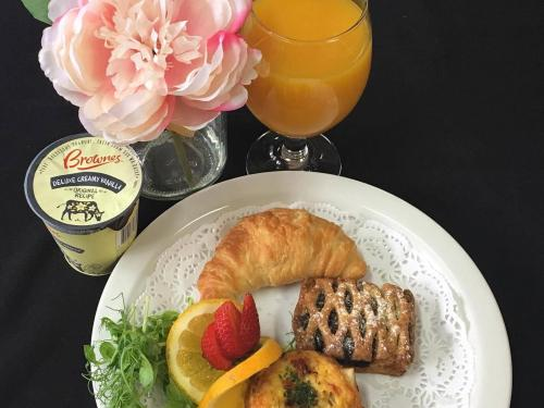 Full Breakfast included from $158 per night