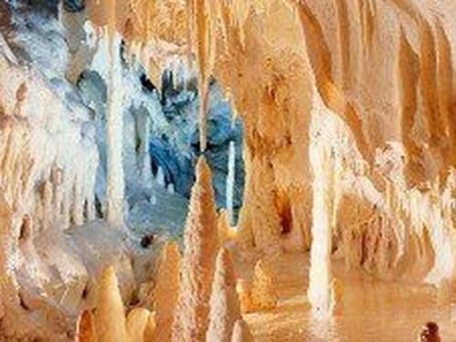 grotte-di-frasassi-mare-marche.jpg