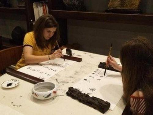 June 7th,2017 Painting and Calligraphy class at Aroma Tea House