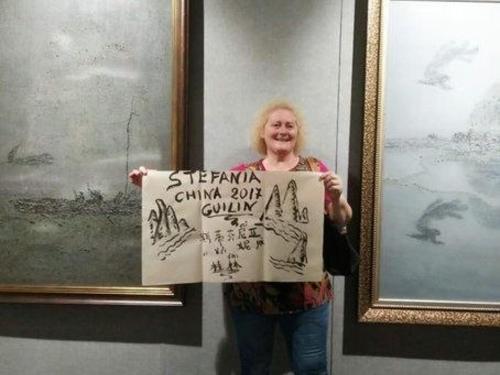 31. Juli, haben wir uns in der Kunstgalerie in der Nähe von Aroma Tea House genossen