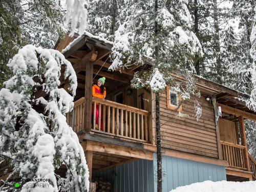 Living the Canadian Winter Dream at Logden Lodge