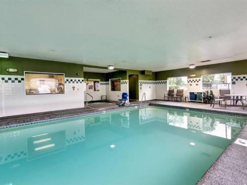 Comfort Inn & Suites Portland Amenities