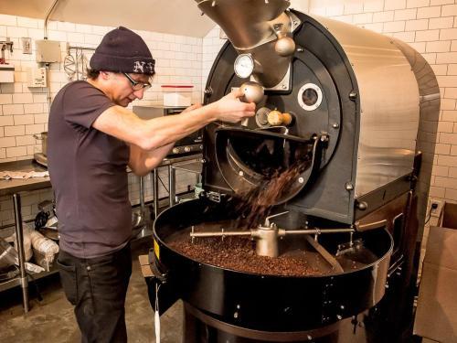 SIX DEPOT ROASTERY & CAFÉ