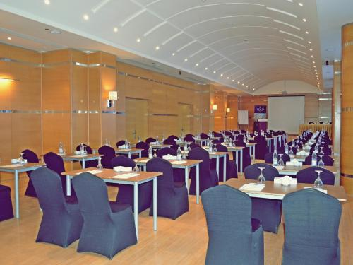 Свадебные и конференц-залы