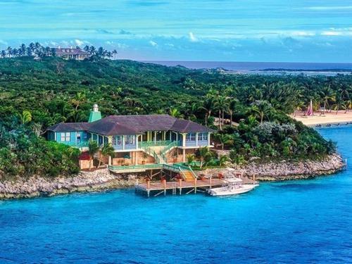 Exuma Cay's – Celebrity Hot Spots