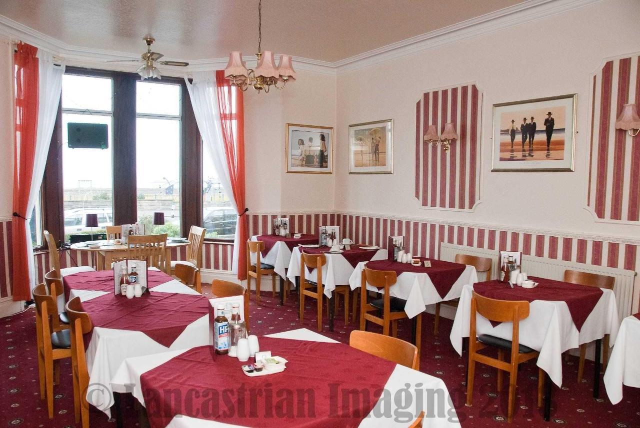 dining-room1-1.jpg