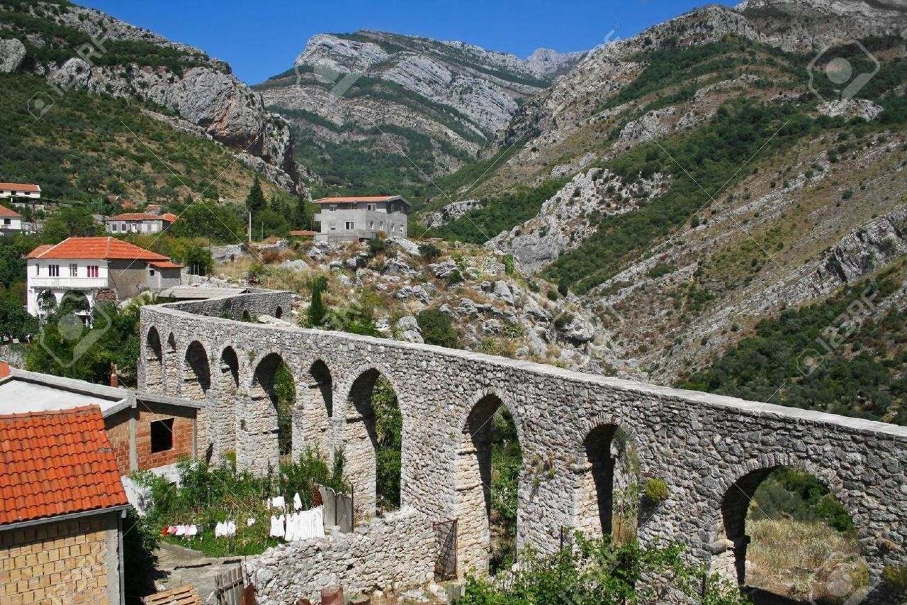 Old town-akvadukt