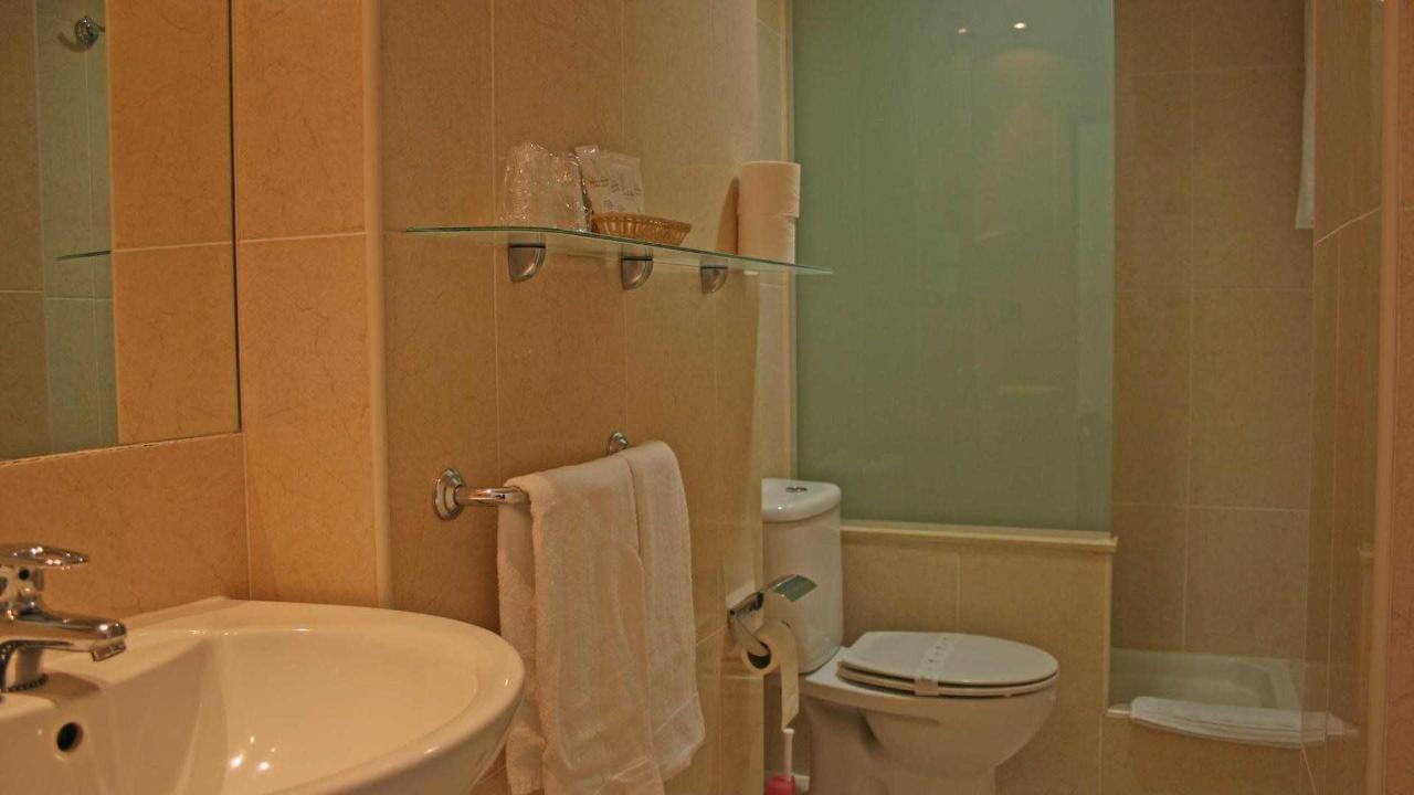 Baño standar 3.jpg