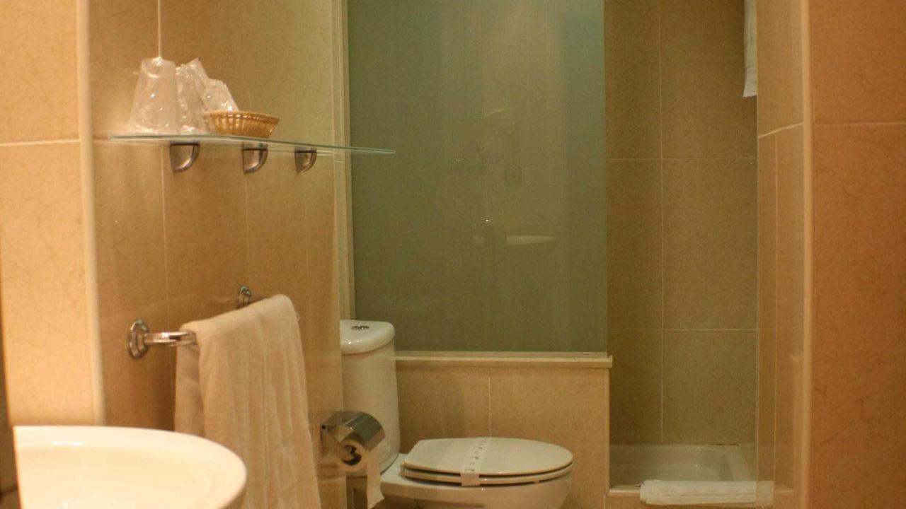 Baño standar.jpg