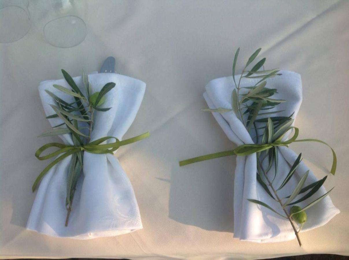 Olive napkins