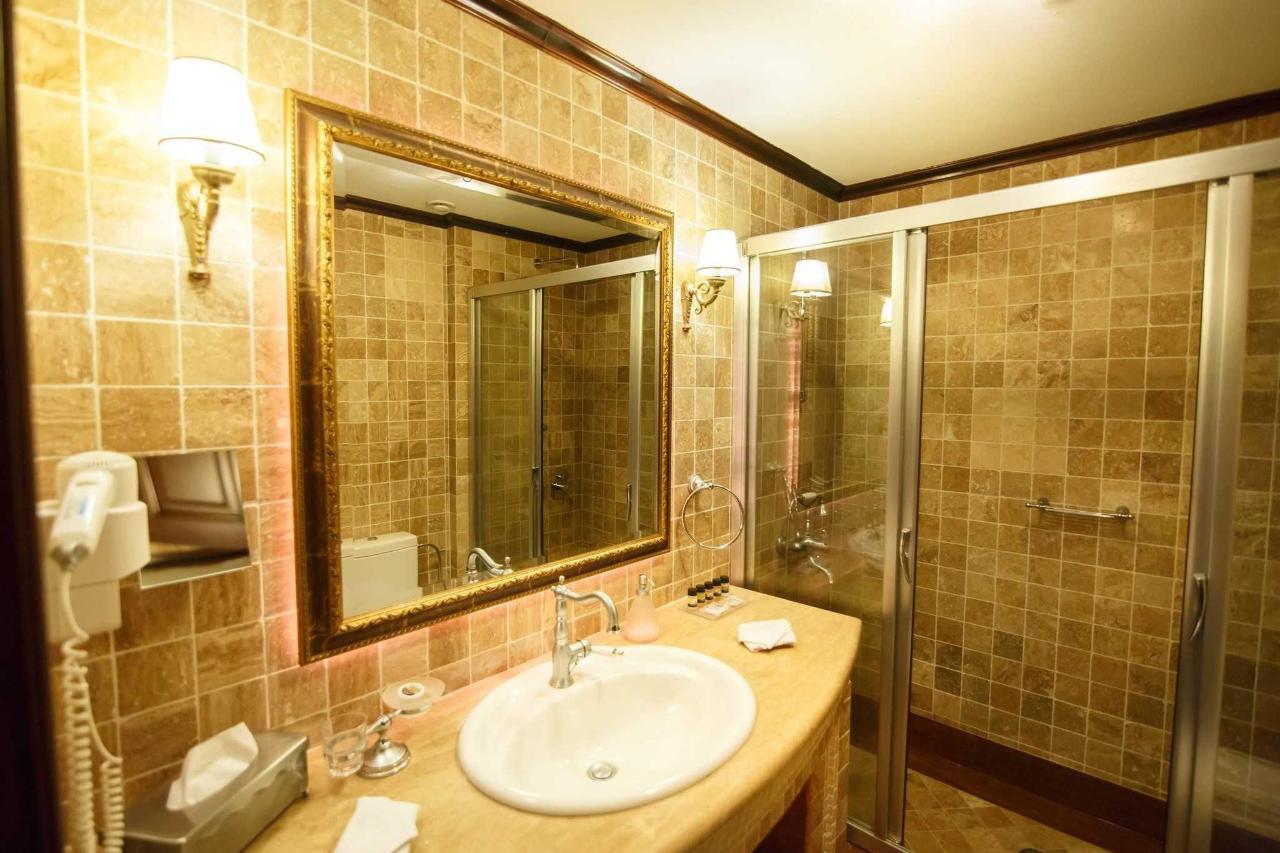 Pluie et salle de bains douche à jet