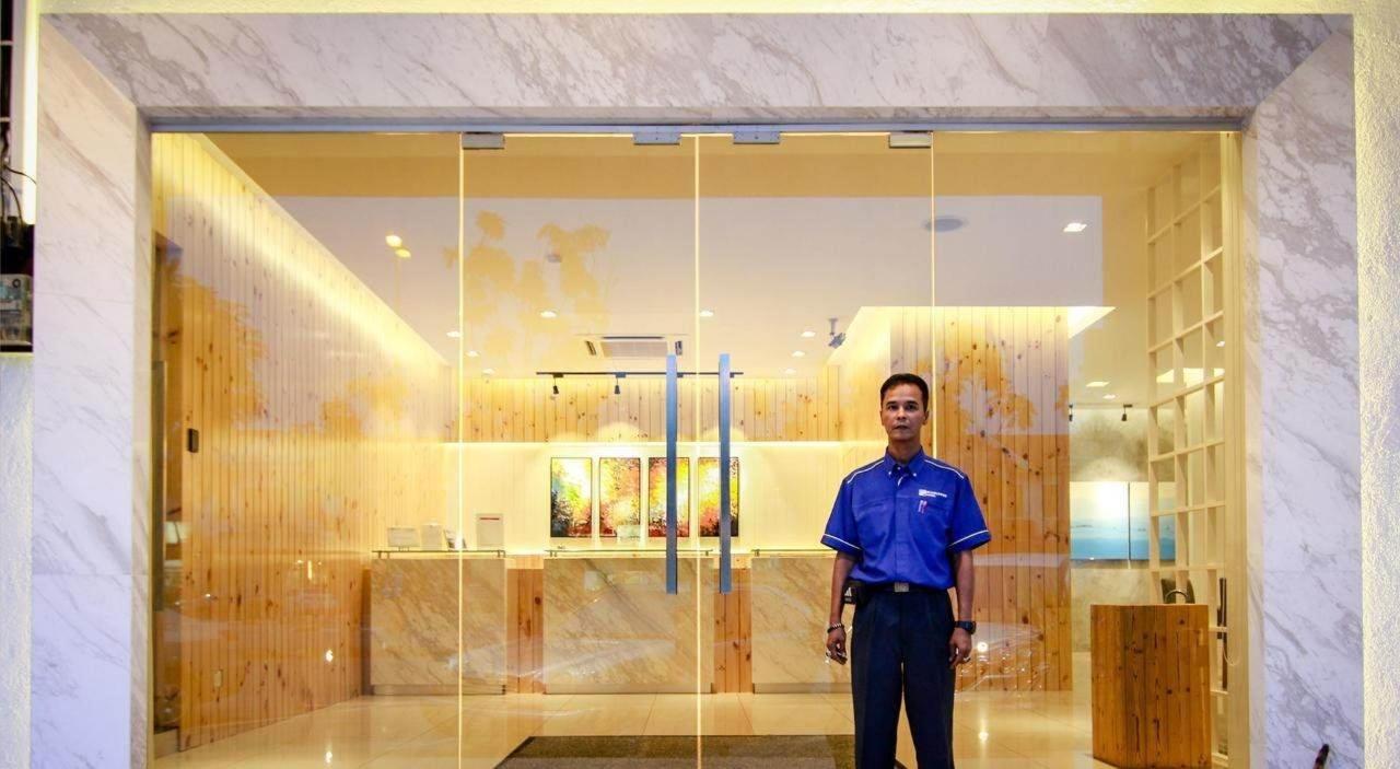 entrance - sunflower hotel.jpg