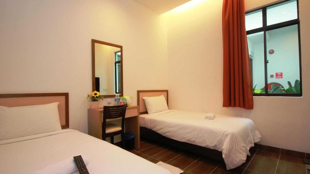 twin room - sunflower hotel.jpg
