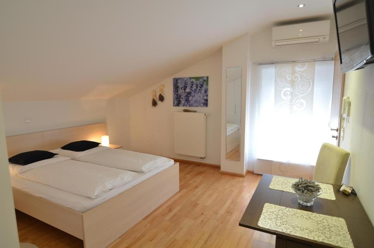Comfort Double Room6