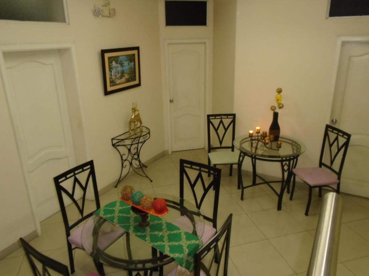 Jeshua Inn Guayaquil.jpg