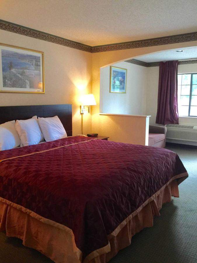 king-suite-2.jpg