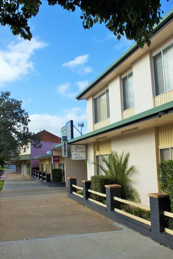 motel-entrance-1-1.jpg
