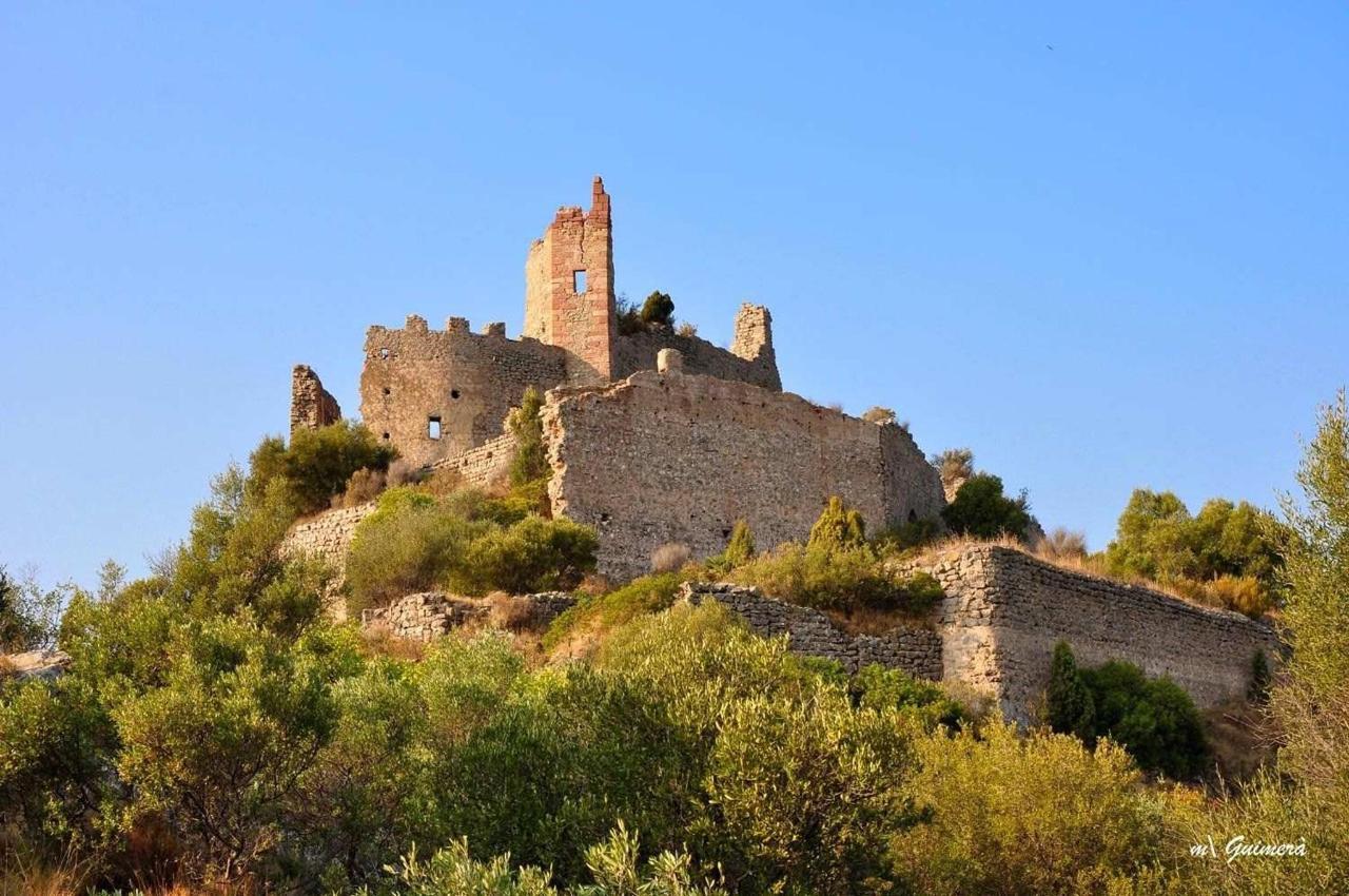 Castillo de Miravet en ruinas