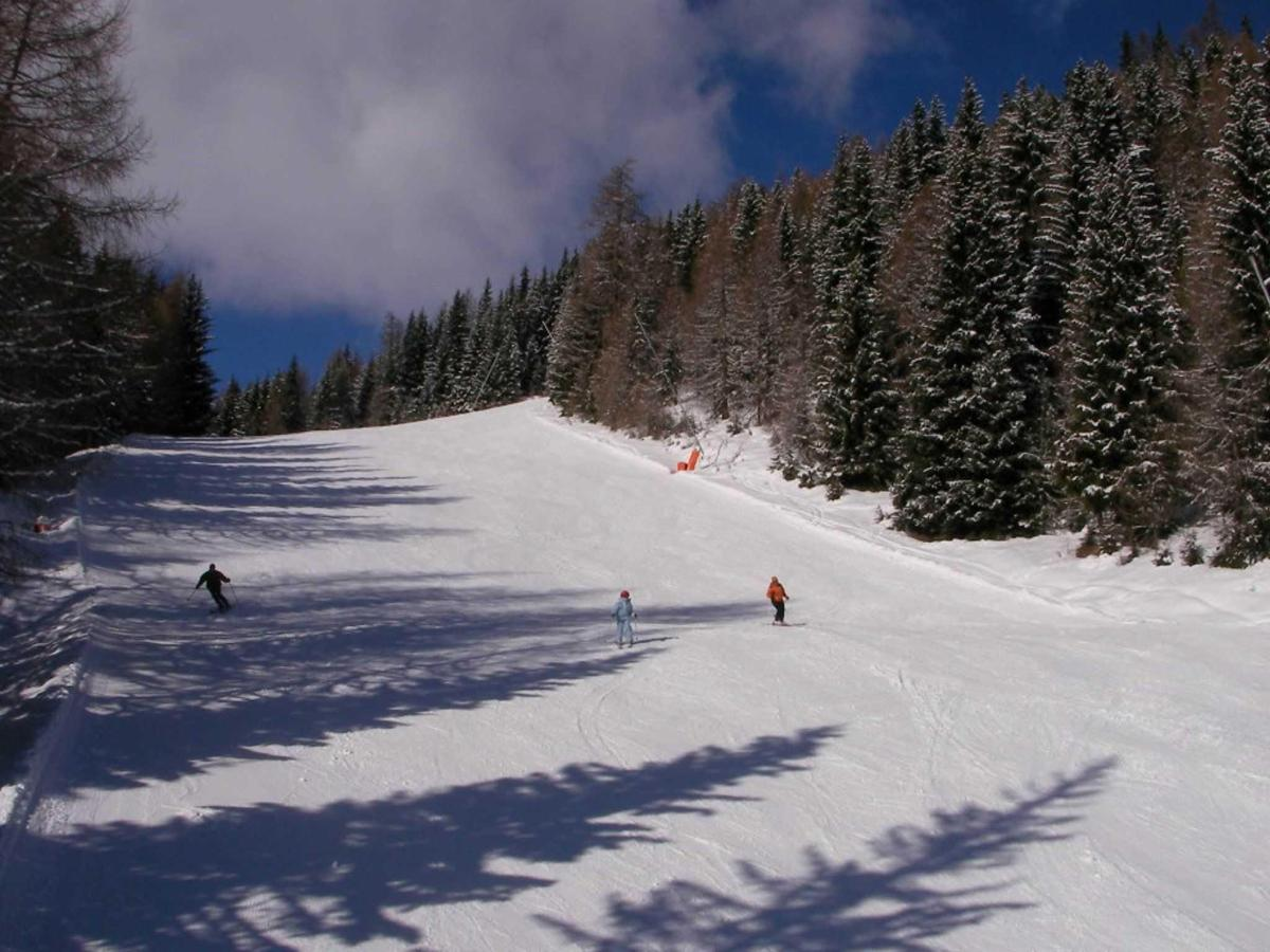 Broad Pistes on Aineck