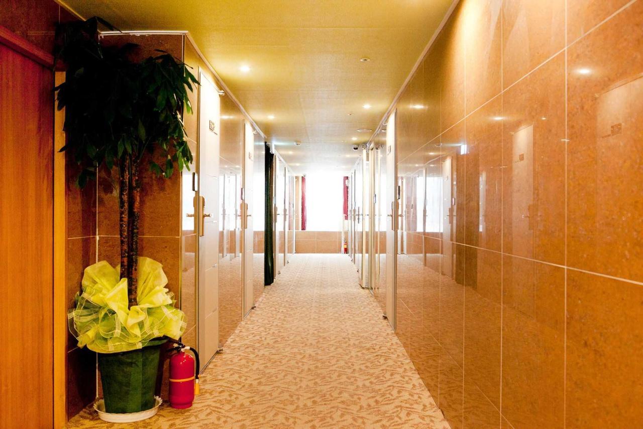 Guest room corridor.jpg