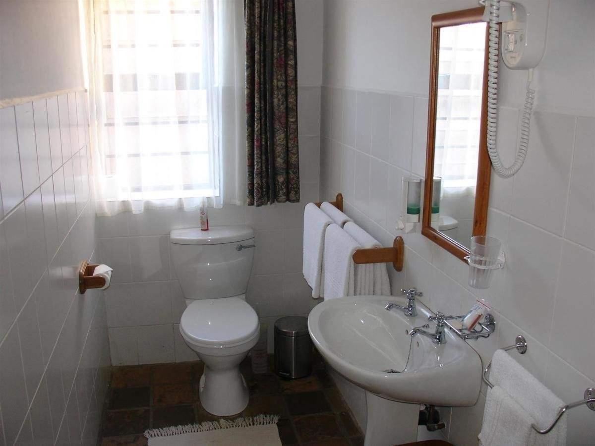 standard family room bathroom