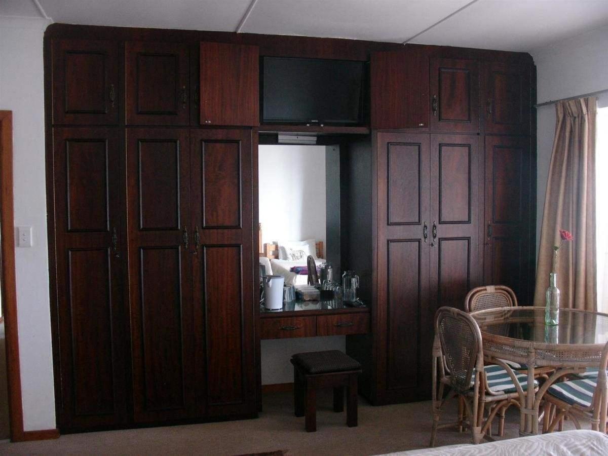 Superior family room 4