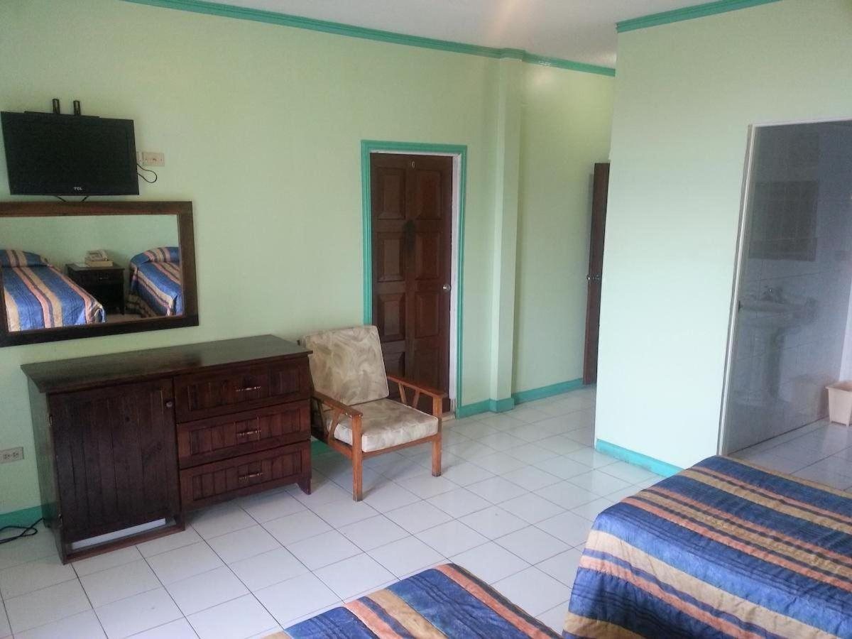 Double Room with Balcony and Sea View3