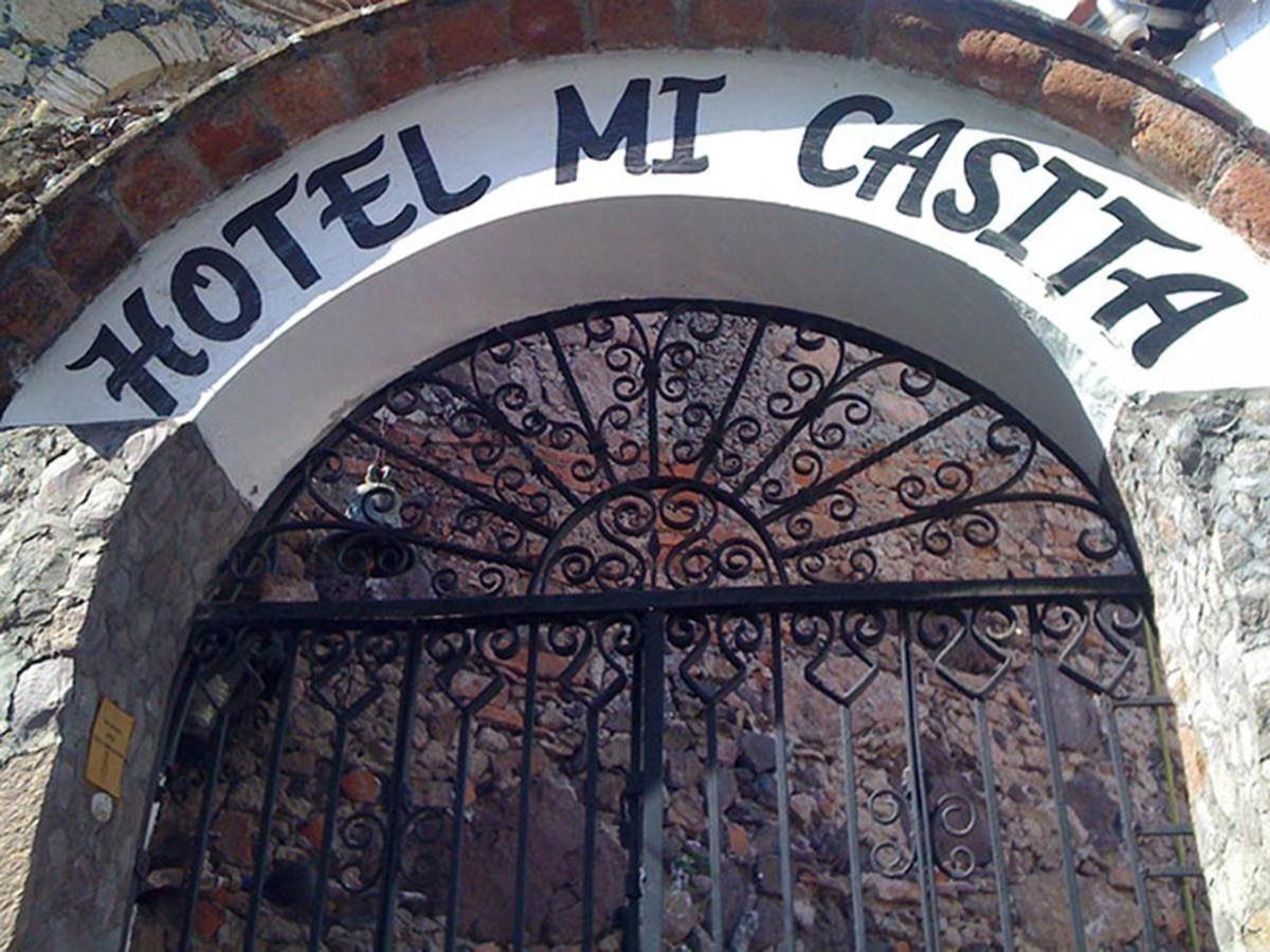 Entrada Hotel Mi Casita