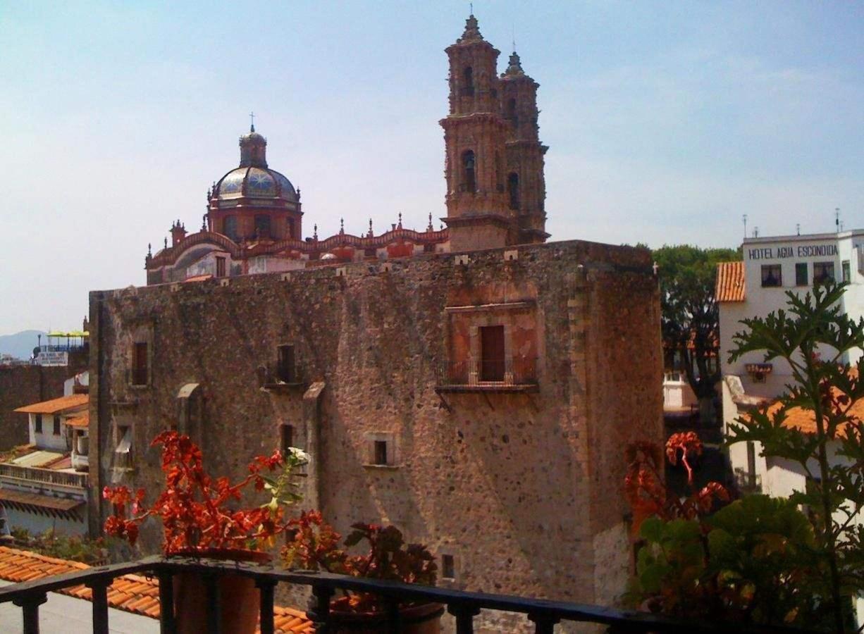 Vista de la Casa Borda desde el Hotel Mi Casita