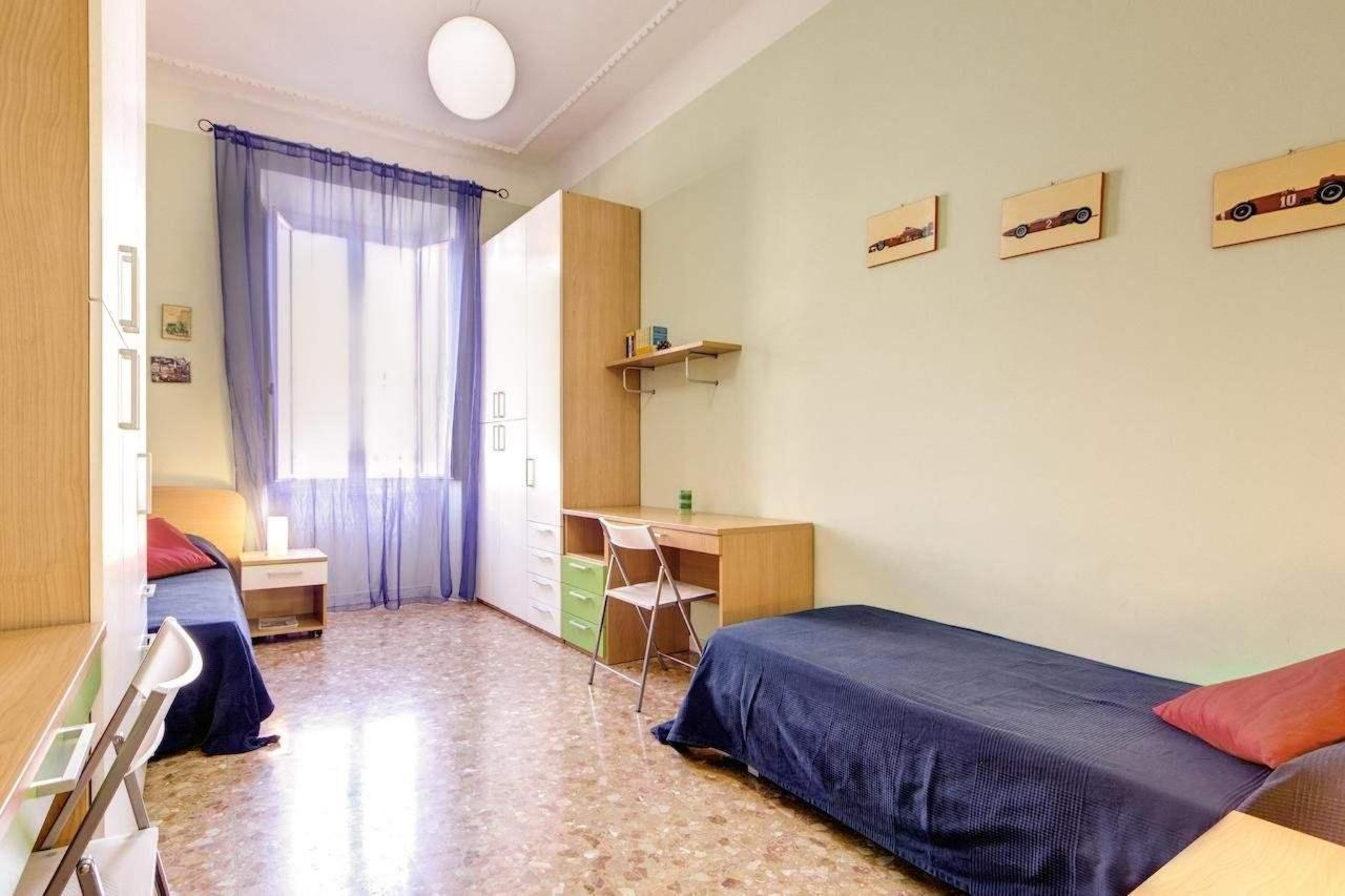 Three-Bedroom Apartment - 30 Via Magna Grecia7