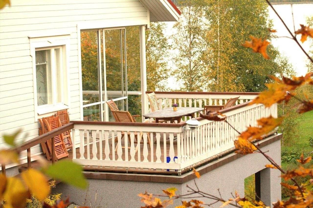 Terassi Willa Rautalahti syksyllä
