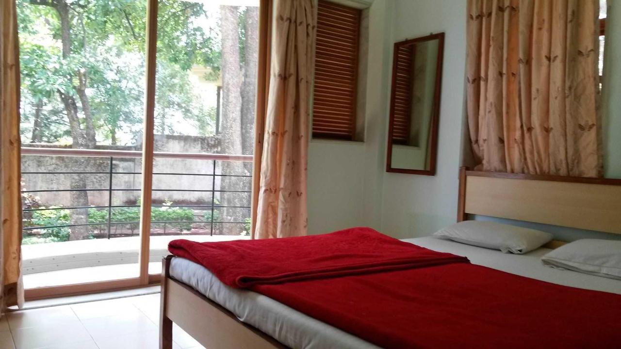 1 bed suite on gr floor