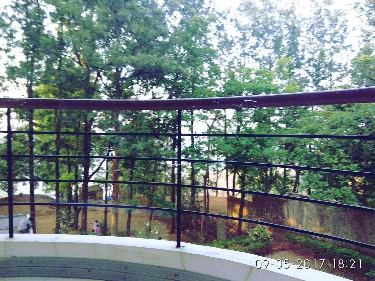 compfort room balcony..jpg