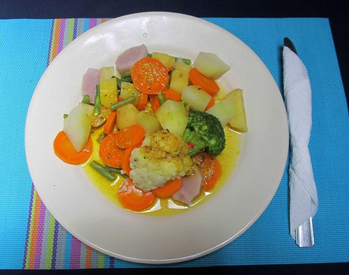 VEGETABLES WITH COCONUTSAUCE