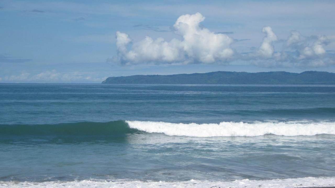 Schwimmer, Surfen, Entspannen. Im Coloso del Mar alles möglich.