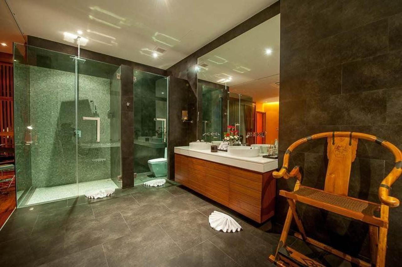 Master bedroom with en suite bathroom and seperate shower room