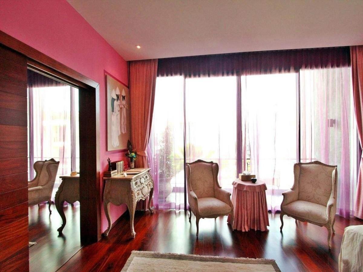 Purple bedroom - French romantic style