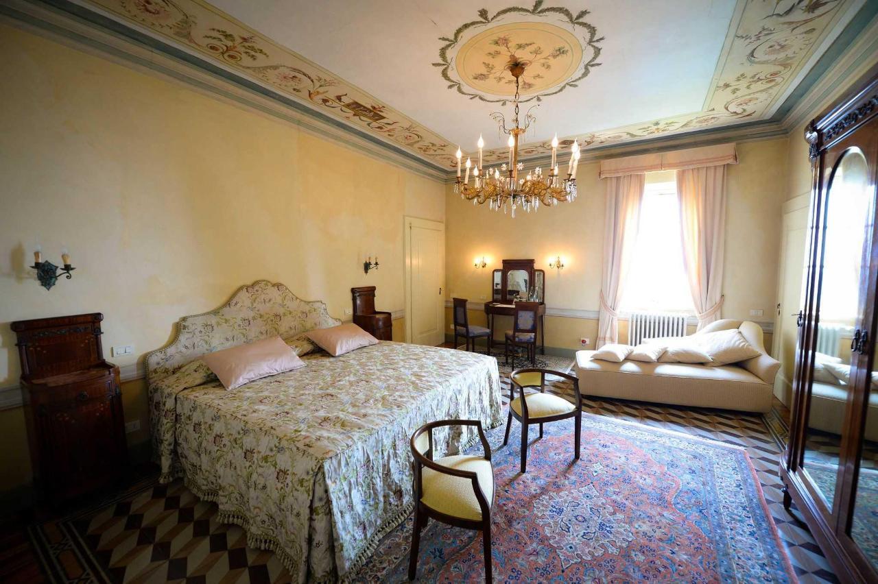 Castello degli Angeli historical suite Lorenza.jpg