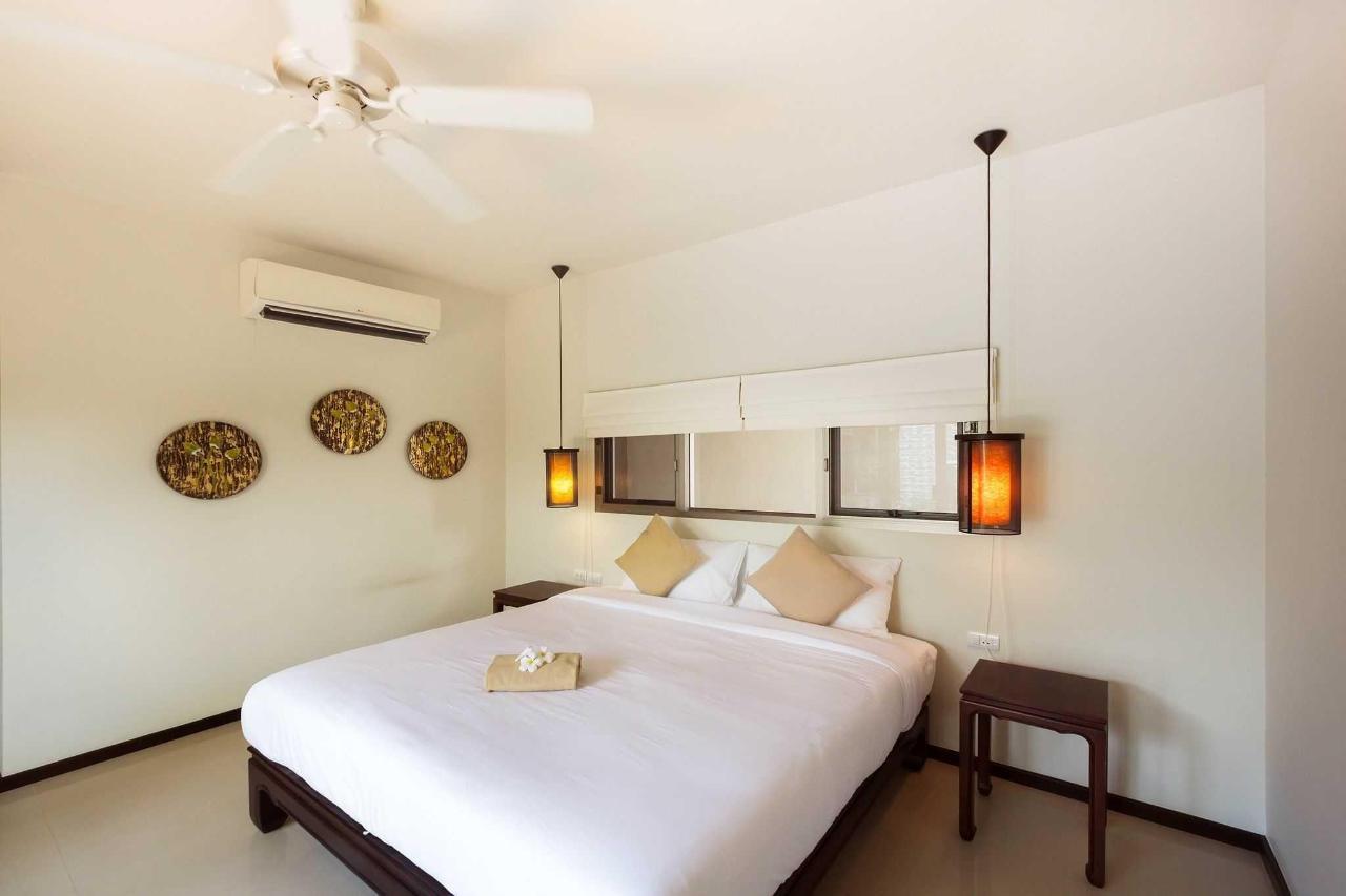 Guest Bedroom 2 BR Villa.jpg