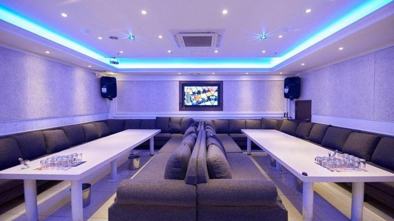 Busan ShinShin Hotel Karaoke.jpg