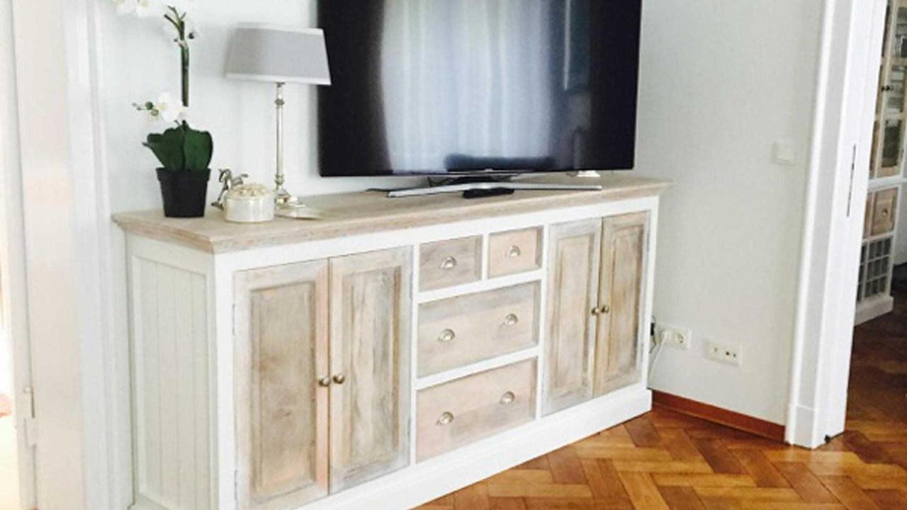 Amor - Living room.jpg