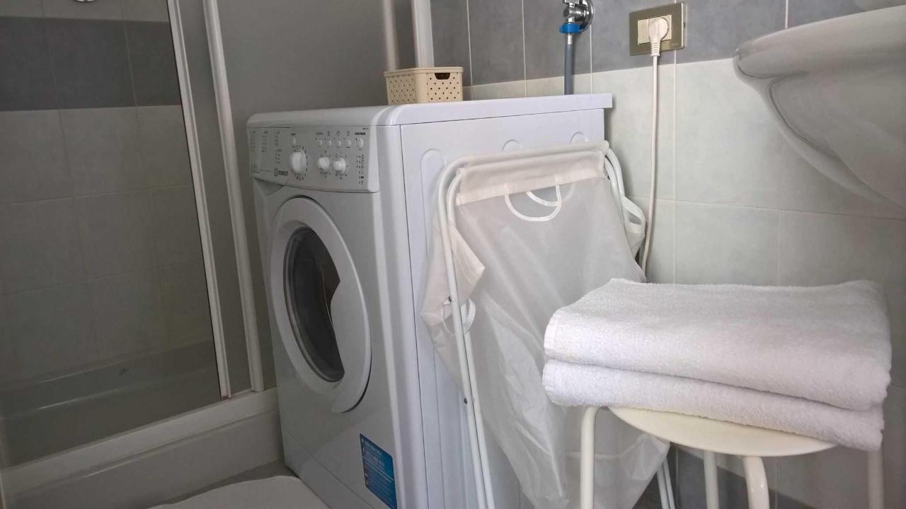 washing machine and bath towels