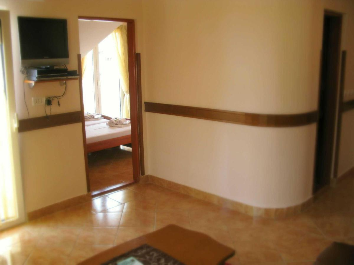 DBL Suite - bedroom.jpg