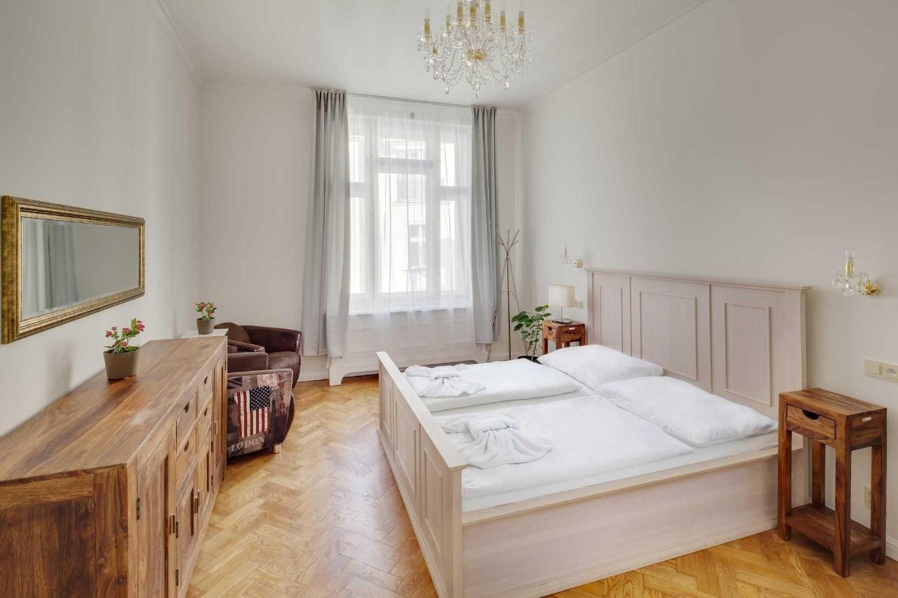 jprerovsky_old_town_square_apartments_v_kolkovne_3501.jpg